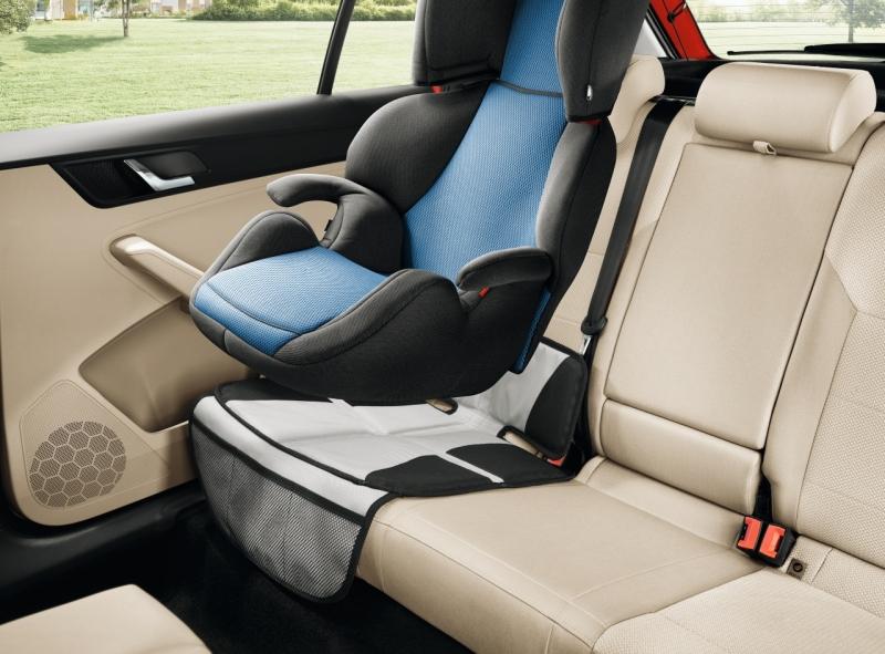 schutzunterlage f r kindersitz sitzschoner auto skoda original zubeh r t 0 36 71. Black Bedroom Furniture Sets. Home Design Ideas