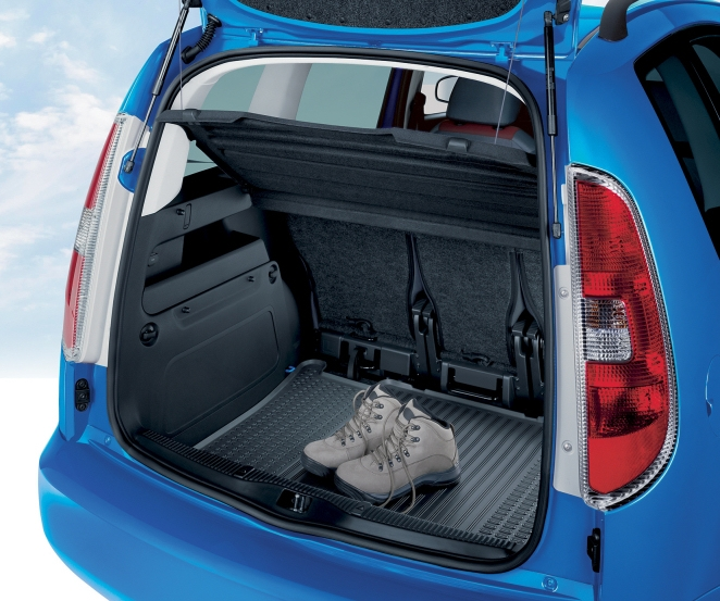 Kofferraummatte aus gummi roomster auto skoda for Pool aus gummi