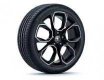 Sommerkomplettrad Octavia 3, Pirelli PZERO auf Xtreme 19 schwarz-poliert